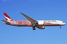 Qantas – VH-ZND (25943274397).jpg