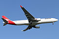 Qantas A330-300(VH-QPF) (4995762735).jpg