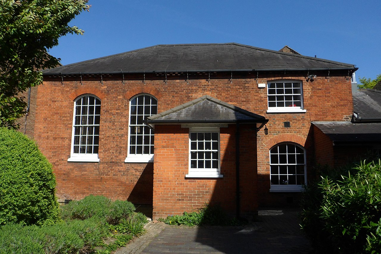 File:Quaker Meeting House, Ward Street, Guildford (April ... Quaker Meeting House