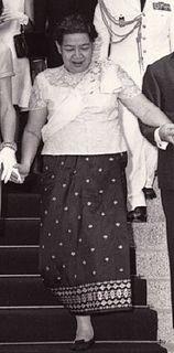 Queen consort of Cambodia