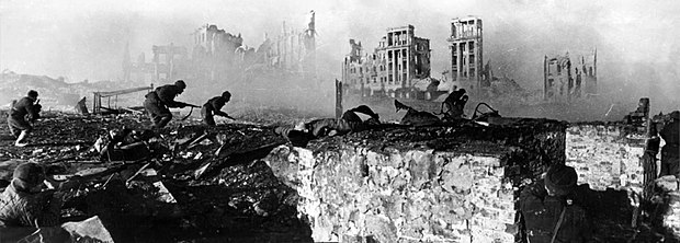 The Battle of Stalingrad is considered by many historians as a decisive turning point of World War II RIAN archive 44732 Soviet soldiers attack house.jpg