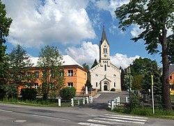 Ratiboř (VS), kostel a škola přes most.jpg