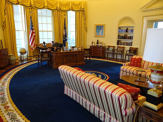 File:Recreation of Oval Office - Clinton Presidential