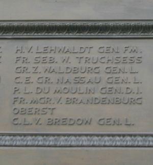 Kaspar Ludwig von Bredow - Image: Reiterstandbild Friedrich der Große Nordansicht ( Details unten 3 )