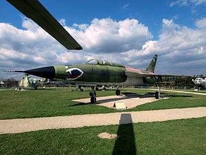 Republic F-105 Thunderchief USAF 24417 pic4.JPG