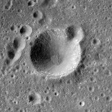 理查兹陨石坑