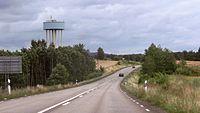 Riksväg 46 och vattentornet i Stenstorp 5221.jpg
