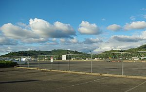 Roseburg Regional Airport - Image: Roseburg Regional Airport runway Oregon