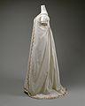 Round gown MET DT4301.jpg
