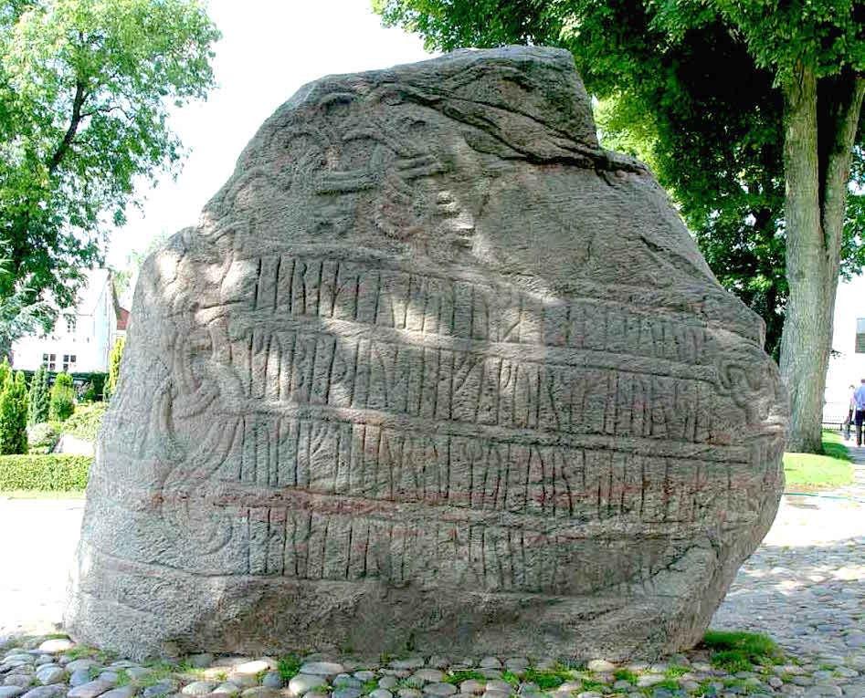 Runenstein Blauzahn 2