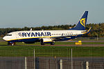 Ryanair, EI-DWE, Boeing 737-8AS (21620019108).jpg