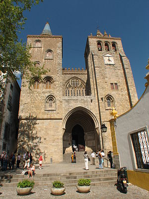 Cathedral of Évora - Façade of the Évora Cathedral
