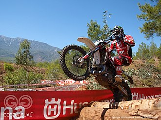 World Enduro Championship - Sébastien Guillaume rides over logs
