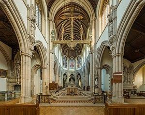 Sacred Heart Church, Wimbledon - Image: Sacred Heart RC Church Interior 2, Wimbledon, London, UK Diliff