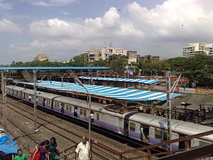 Santacruz railway station - Image: Santacruz railway station Overview