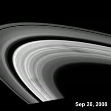 ファイル:Saturn ring spokes PIA11144 300px secs15.5to23 20080926.ogv