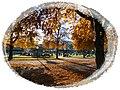 Schloßplatz im Herbst - panoramio.jpg