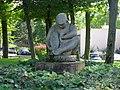 Sclpture La femme assise de Marthe Baumel-Schwenck à Créteil.JPG