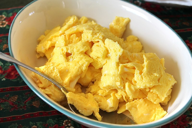 scrambled eggs fro dogs