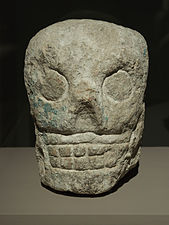 Sculpture de crâne Maya.jpg