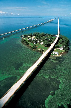Seven Mile Bridge - Seven Mile Bridge with the original in the foreground