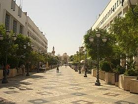 Fußgängerzone und Rathaus in Sfax