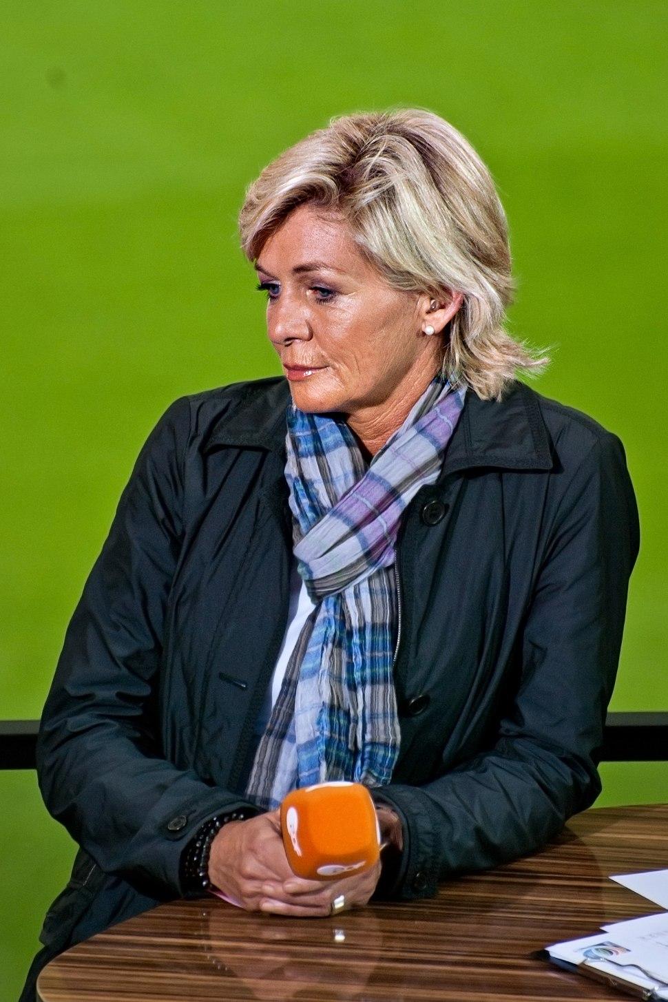 Silvia Neid desillusioniert nach WM-Aus für Deutschland (kompr)