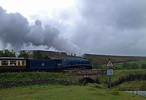 English: Sir Nigel Gresley Crossing the bridge...