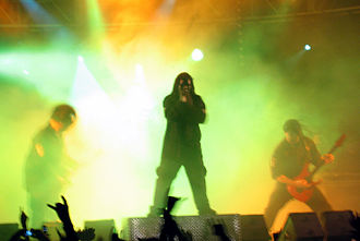 Vol. 3: (The Subliminal Verses) - Slipknot performing in 2005 as part of The Subliminal Verses World Tour