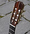 Slotted-headstock-classical-guitar.JPG