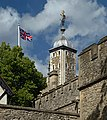 Southwest tower of the White Tower and flag. London.jpg