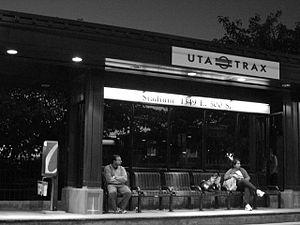 Stadium (UTA station) - Passengers waiting on the southbound platform