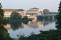 Stadthalle Schlossbrücke Mülheim am Morgen 2014.jpg