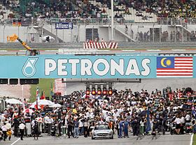 Starting grid of 2010 Malaysian GP crop.jpg