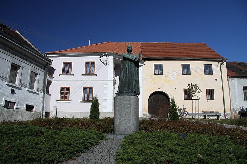 File:Statue of Jan Hus in Husinec in 2011 (4).JPG