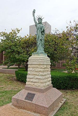 Statue of Liberty - Texas State Capitol grounds - Austin, Texas - DSC08248.jpg