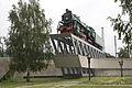 Steam locomotive monument near Kiev Passazhirskij.jpg