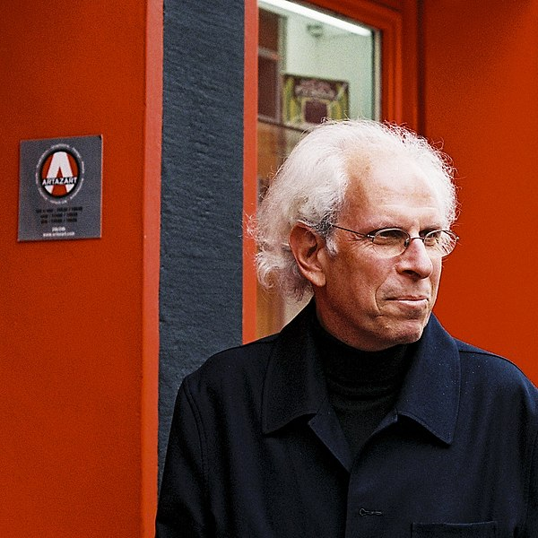 File:Stephen Shore Paris.jpg