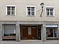 Stolperstein Salzburg, Wohnhaus Kaigasse 8.jpg