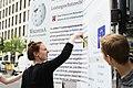 Straßenaktion gegen die Einführung eines europäischen Leistungsschutzrechts für Presseverleger 82.jpg