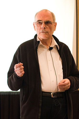 Volker Strassen - Image: Strassen Knuth Prize lecture