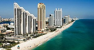 English: A better shot of Sunny Isles Beach