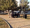 Të moshuarit duke luajtur shah - Ulpianë Prishtinë.jpg
