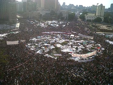 370px-Tahrir_Square_during_8_February_2011.jpg (370×278)
