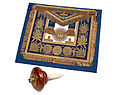 The Grand Master of Englands Freemason apron (Edward VII).jpg