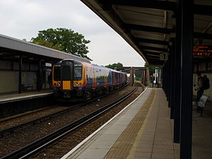 Barnes Bridge railway station - Image: Train at Barnes Bridge