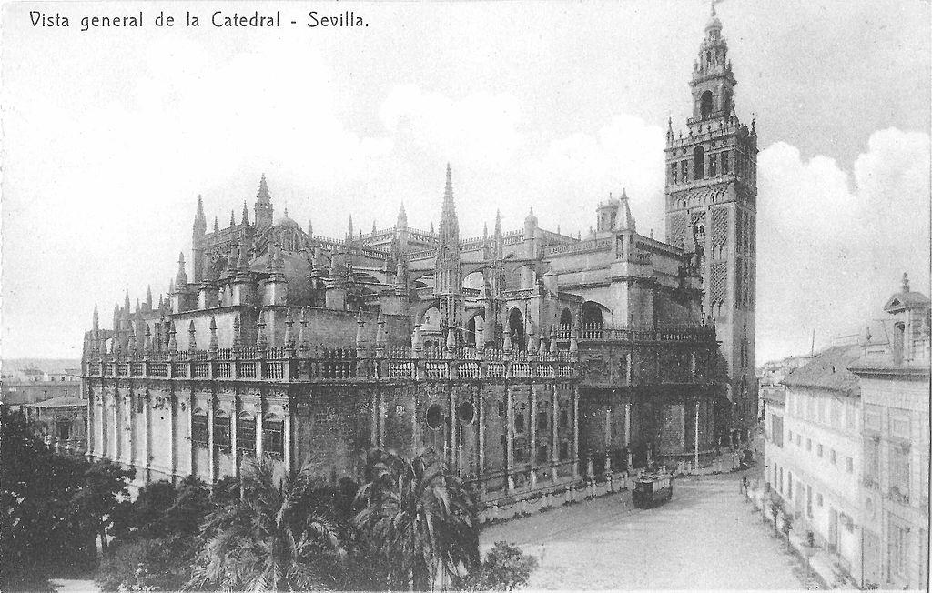 Ancienne carte postale de la Cathédrale de Séville en Espagne.