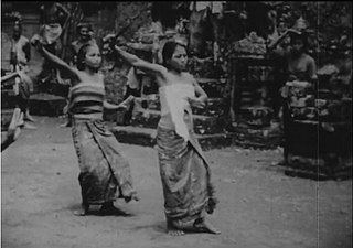<i>Trance and Dance in Bali</i> 1952 film by Gregory Bateson, Margaret Mead