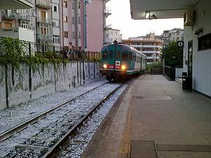 Treno, Stazione Via Irno, Salerno.jpg