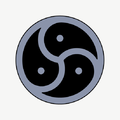 Triskelion points black outer-squareF5.png